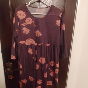 Floral print long line tee size 3x